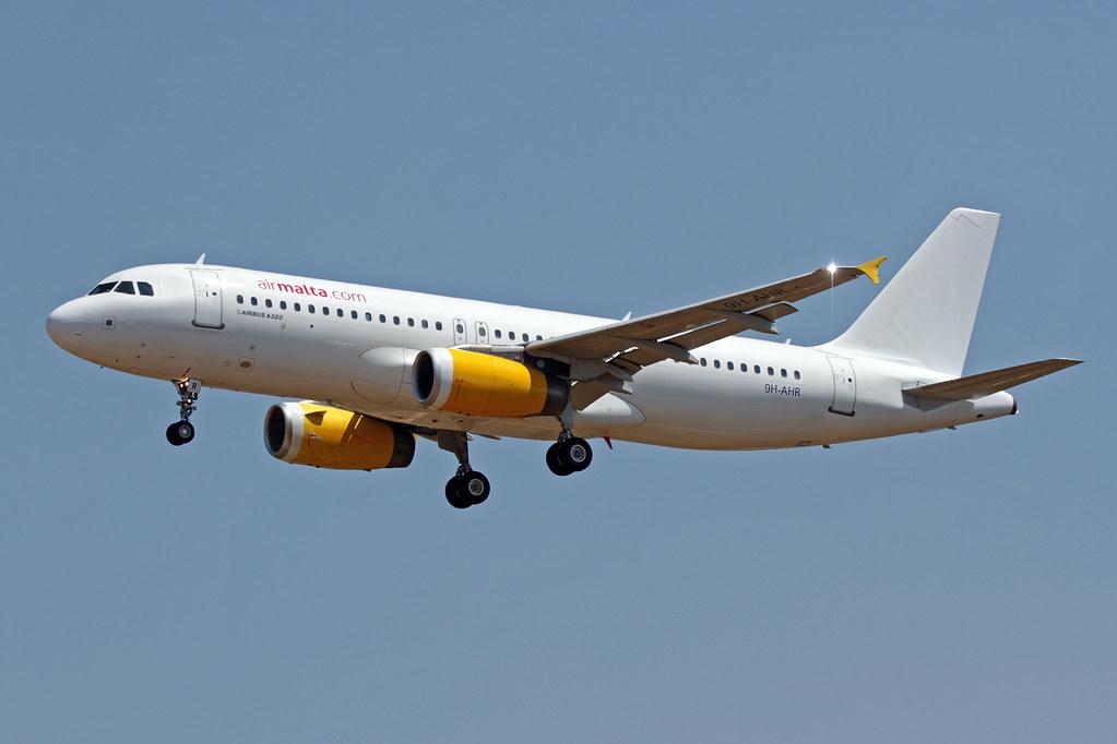 9H-AHR - A320 - Air Malta