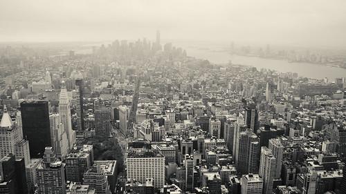 lowermanhattan manhattan city citytrip newyork newyorkcity america view uitzicht unitedstates usa empirestatebuilding skyline lowermanhattanskyline downtownmanhattan downtown ny nyc vs bw blackandwhite blackwhite building structure travel monochrome nikon