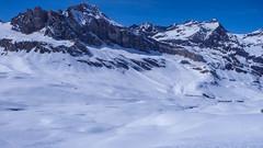 Zjazd z Col Basei do doliny Val di Rheme. W tle skały Comba di Golleta.