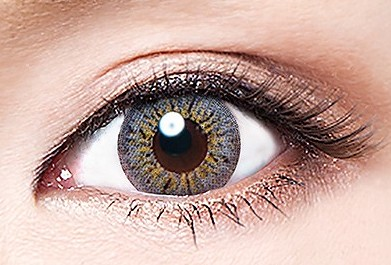 vivian_charade_gray_eye2