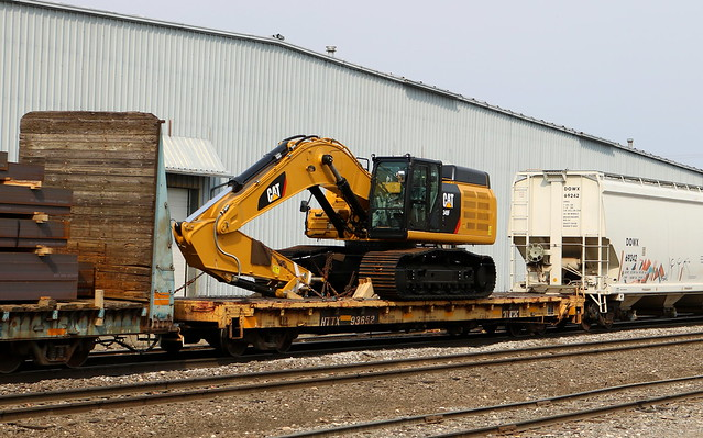 HTTX 93652, CAT 349F, Chapman, Neenah, 9 Apr 17