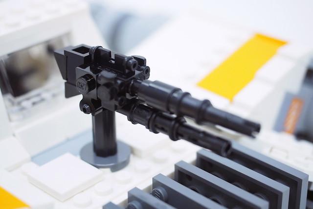 LEGO Star Wars UCS Snowspeeder (75144)