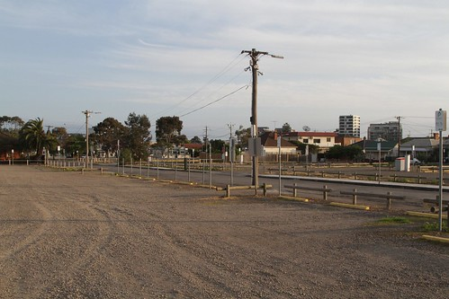 Gravel car park at Victoria University has swallowed up the surrounding neighbourhood