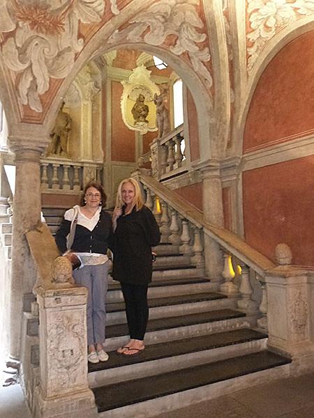 dans les escaliers Palais Lascaris