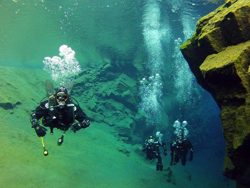 Diving in Silfra