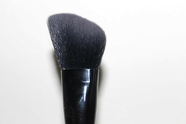 Illamasqua Blusher Brush No.2