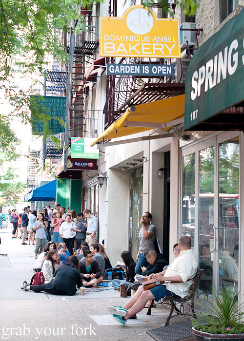 people queueing for cronuts at dominique ansel bakery nyc new york