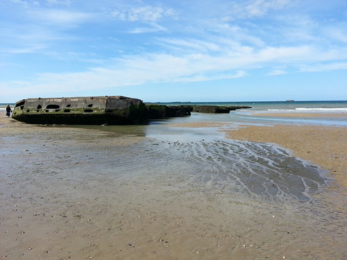Arromanches and Mulberry Harbours. by despod
