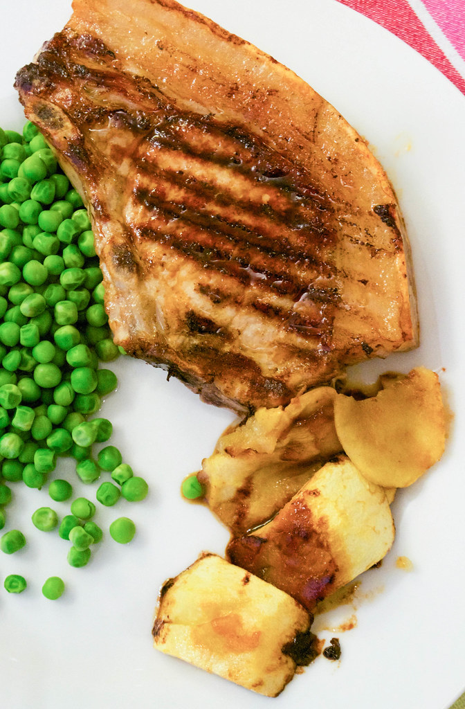 pork chops with sticky apples