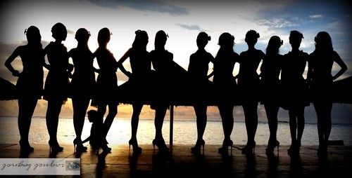 girls sunset beach beauty silhouette lady women s beautyqueens sunsetphotos sunsetsilhouettes saipansunsets