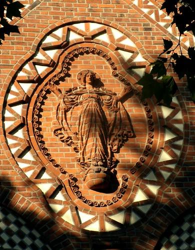 Marienkirche in Friedenau - Apokalyptische Madonna
