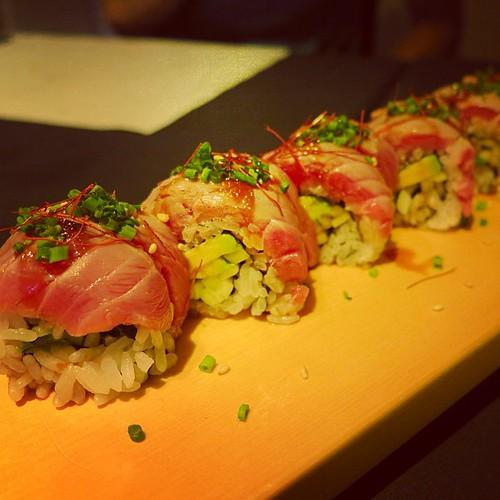 Mmmmmm♡ しーあーわーせー♡ YUM ATTACK!! at FUTAMI Japanese Restaurant in Barcelona. Muy Bieeeeen♡ Arigatou + Gochisousama Daisuke-kun! #futami #barcelona #sushi #bien
