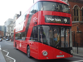 London United LT76 (LTZ1076) on Route 9, Hammersmith