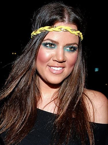 Khloe-Kardashian-Headband-31