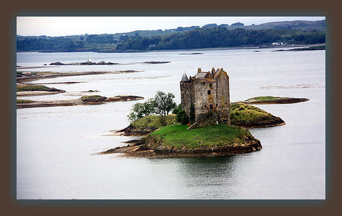 Scotland, Castle along the road