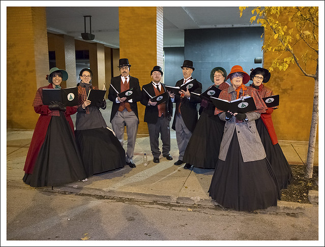 Carolers, 7th and Pine