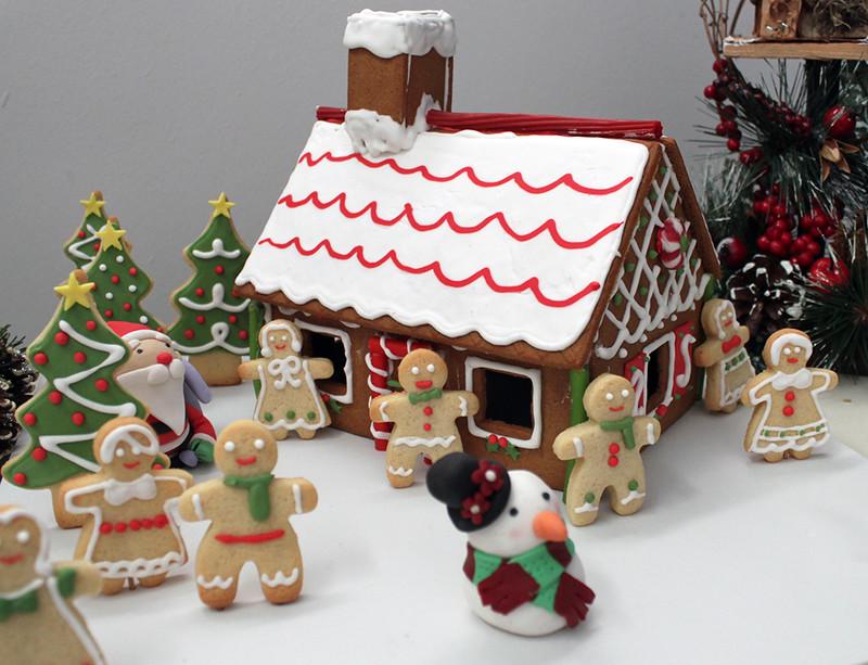 Con las manos en la masa ya llega la navidad casita de - Casa de jengibre ikea ...