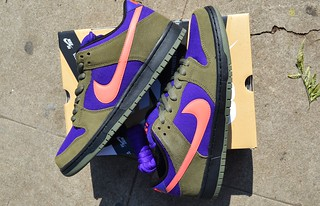 Nike SB Medium Olive/Atomic Purple Dunks