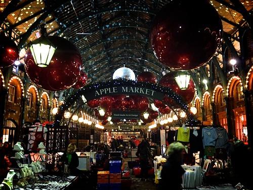 <p>Apple Market at Christmas</p>