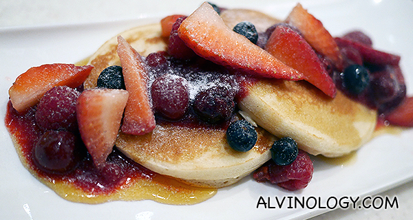 A Berry Pancake Gala - Fresh berries, summer berries, choice of maple syrup/ mango sauce/ vanilla sauce/ strawberry sauce for topping (S$12.90)