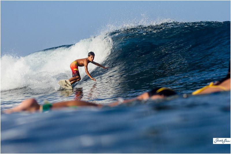 31_pelika-delovio_banyans_surfer_girl_grom_toes.jpg