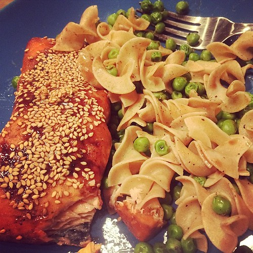Willie made dinner! #salmon #peas #healthyeats #healthy #dinner