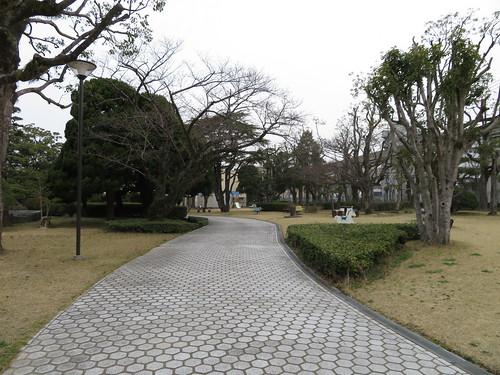 小倉競馬場の遊具広場の遊歩道