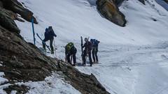 Zakończenie tury - zjazd doliną Val di Rheme. Liczne przeniesienia nart.