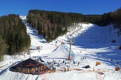 Česká horská střediska zažila po třech letech normální sezónu