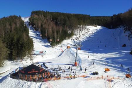 Tři zimy po sobě nebyly pro provozovatele lyžařských areálů povedené, až o té letošní se odvážili říci, že byla normální. Teploty se vrátily k dlouhodobě obvyklým hodnotám pod bodem mrazu, sníh ležel už od Vánoc a do...