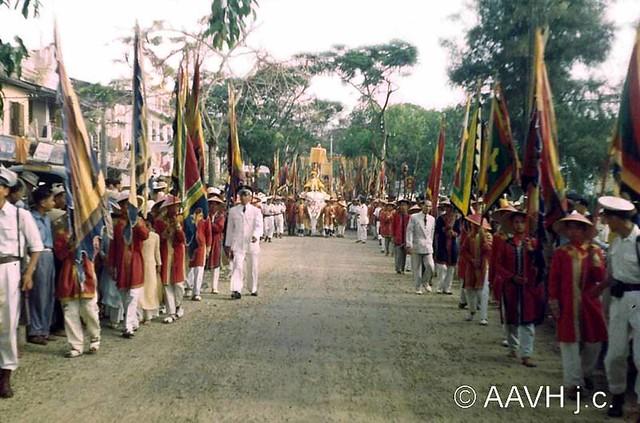 Lễ kỷ niệm Hai Bà Trưng tại Huế năm 1952