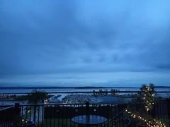 Gray blue #everett #sunset #pnw #pnwonderland #gray #cloudy #portofeverett #portgardnerbay #hatisland #whidbeyisland #friluftsliv #liveineverett