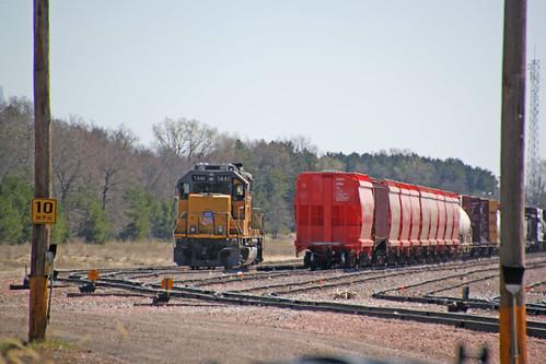 train railroad railway railfan unionpacific up emd gp402 locomotive