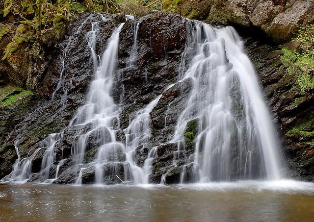 Waterfall, Nikon D200, AF-S DX Zoom-Nikkor 18-70mm f/3.5-4.5G IF-ED