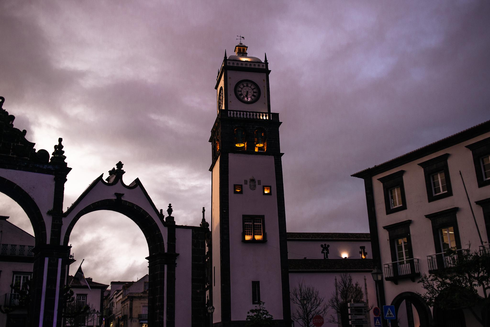 Ponta Delgada főtere alkonyatkor