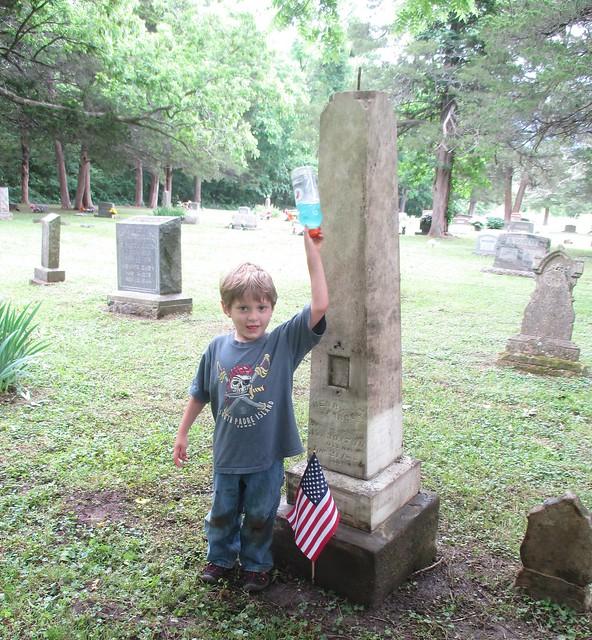 Garrett by Henrys gravestone, Canon POWERSHOT ELPH 135