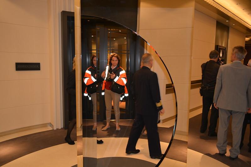 Le Miroir ... que je n'ai pas vu -_- - Visite du MS EUROPA 2 - Bordeaux - 20 mai 2013