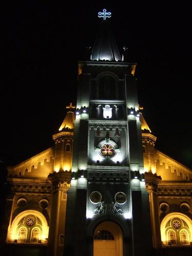 夜の玫瑰聖母聖殿主教座堂
