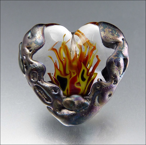 HEART'S ON FIRE - Lampwork Heart Pendant Bead