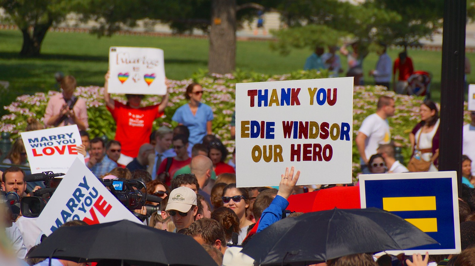 "SCOTUS  26195 ""Thank You Edie Windsor Our Hero"""