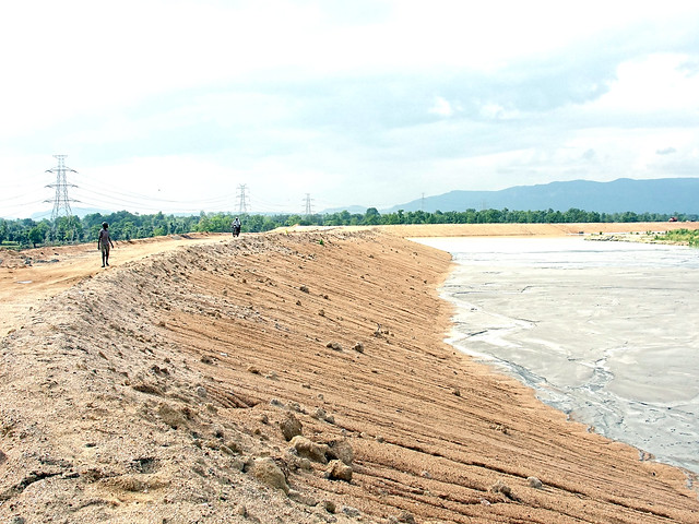 Fly-ash dam near BALCO in Korba