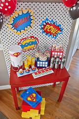 super-hero-party-FavorTable