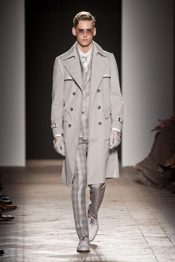 Robin Barnet3088_SS14 Milan Daks(fashionising.com)