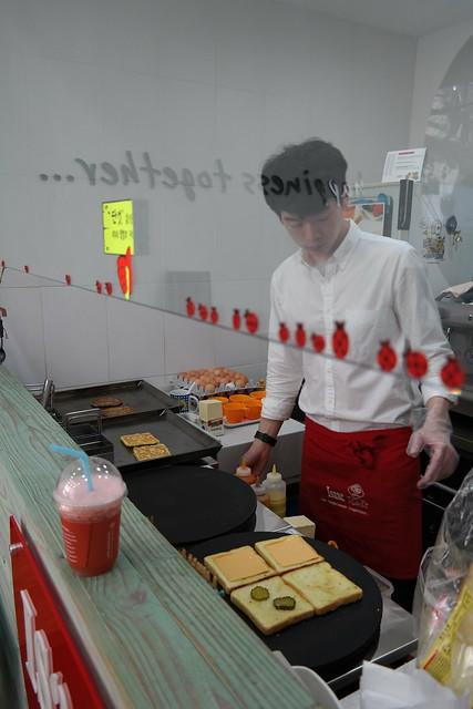 Issac早餐梨大店+梨大景色