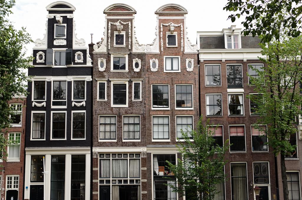 Amsterdam, Houses