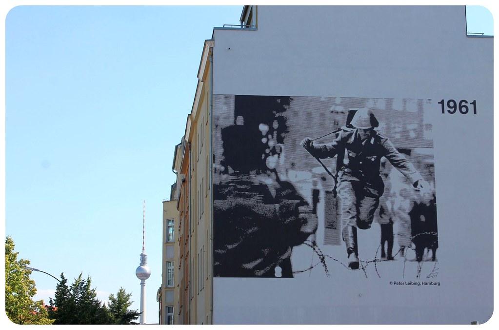 berlin wall bernauer strasse 1961