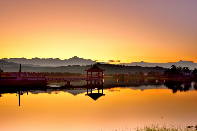 中正曦 Morning lake