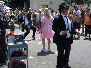 Elwood Gets Down as Jake Looks the Other Way at the 2013 Doo Dah Parade