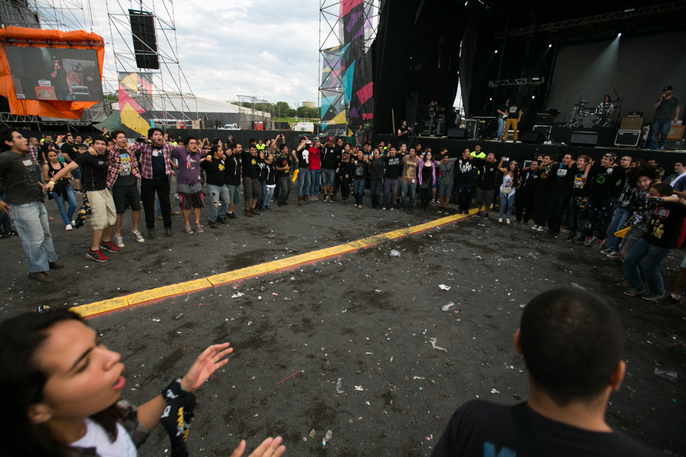 La multitud hacía pogo durante uno de los conciertos. (Tetsu Espósito)