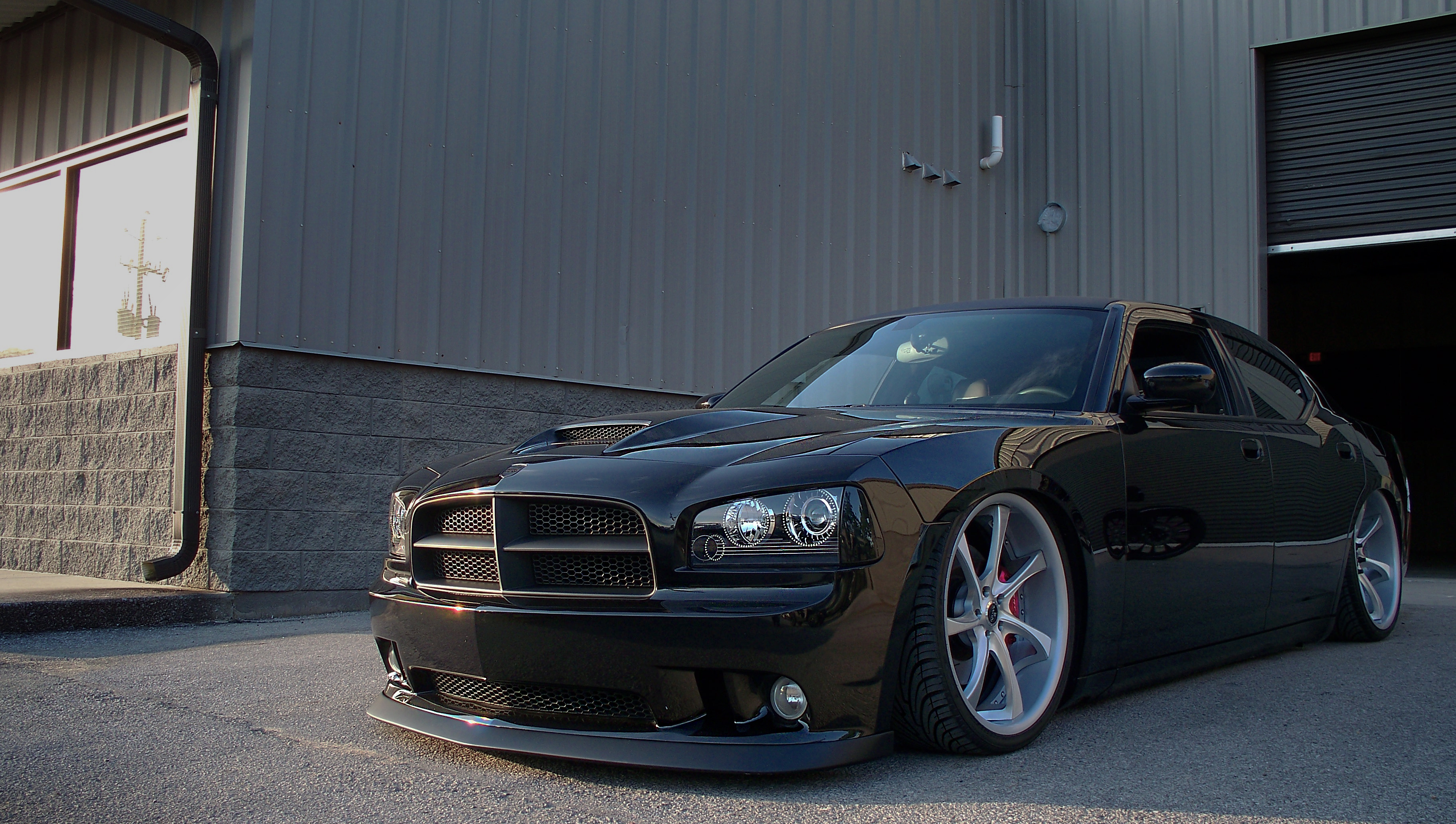 2006 Dodge Charger SRT8 426. Bagged with AccuAir eLevel and sitting ...